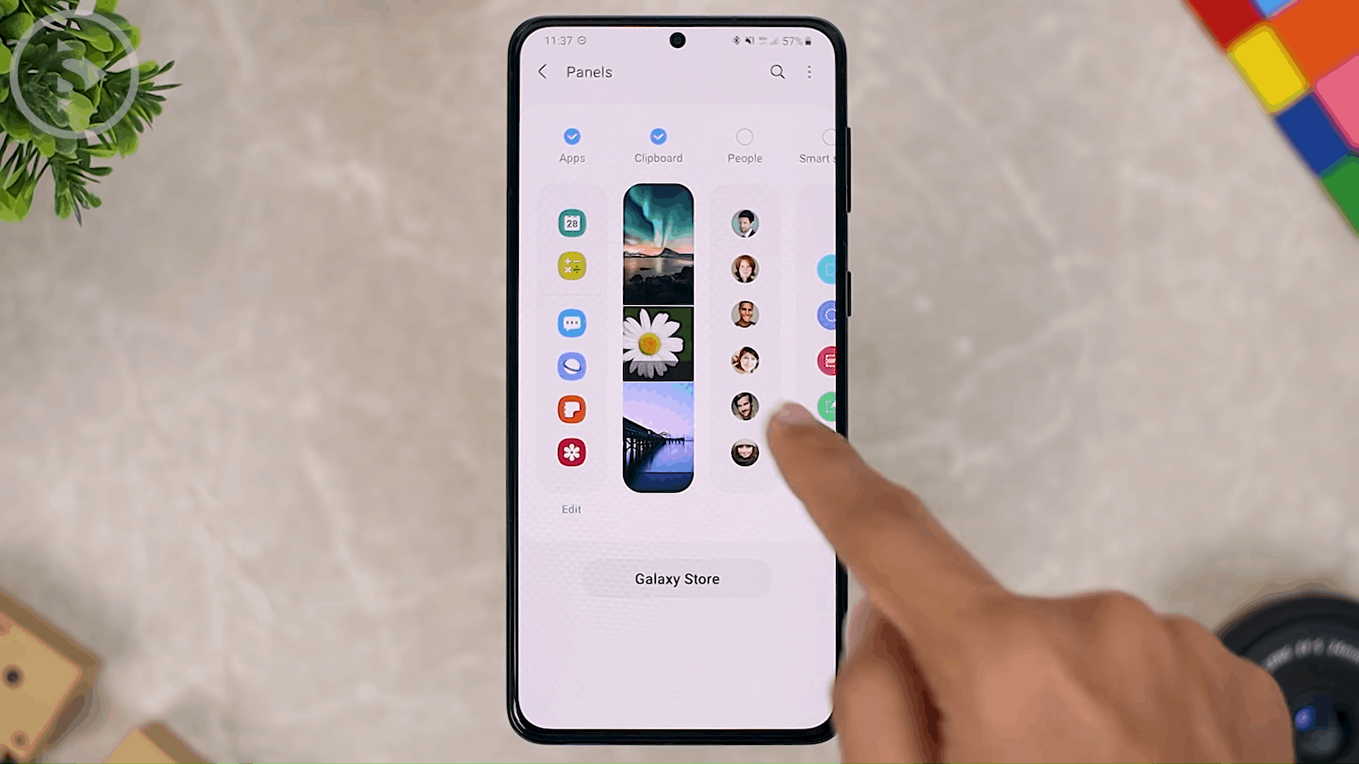 Show Clipboard Shortcuts on Edge Panel - 8 New and Cool Samsung Features in One UI 3.0 and One UI 3.1