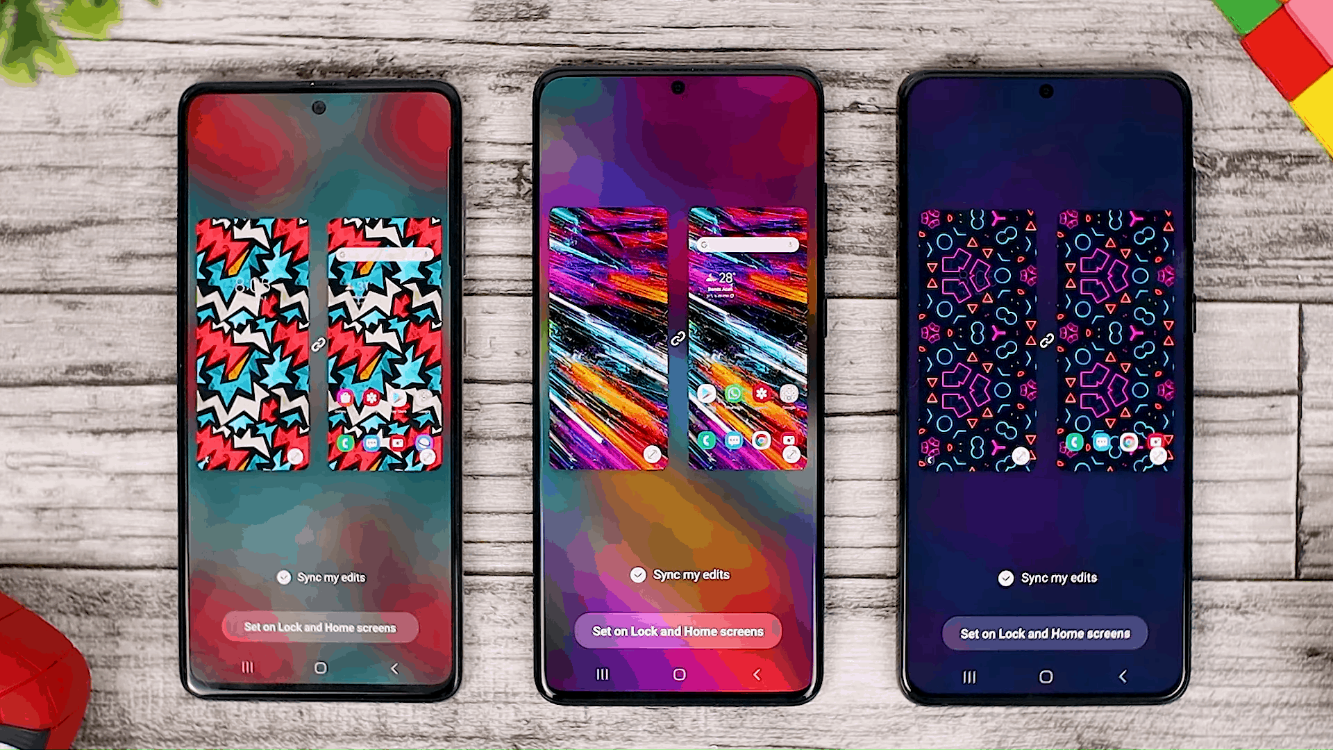 Wallpaper Interactive Preview - One UI 3.0 features of Samsung Galaxy A51 and its comparison with the Galaxy S20+ and One UI 3.1 on the Galaxy S21+